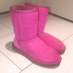 Pink uggs!